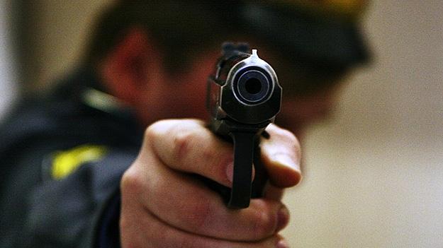 В каких случаях полиция может открыть огонь по машине без предупреждения 1