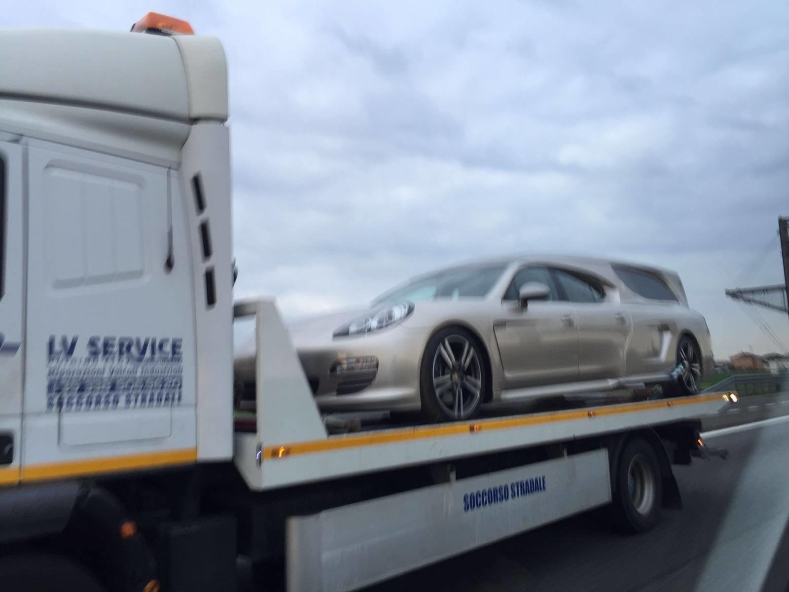 Porsche Panamera «превратился» в катафалк 2