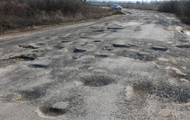 Около половины украинских дорог представляют угрозу для езды 1
