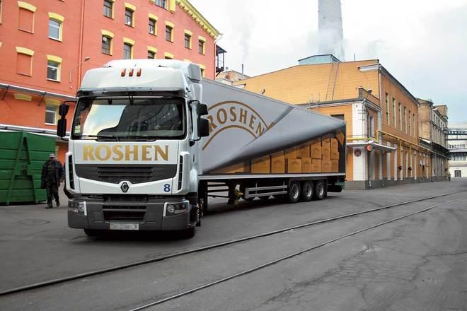 Грузовики с продукцией Roshen не пропускают на российской границе 1