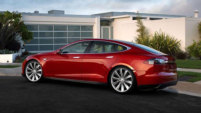 На новый электрокар Tesla подали рекордные 276 тысяч заявок 1