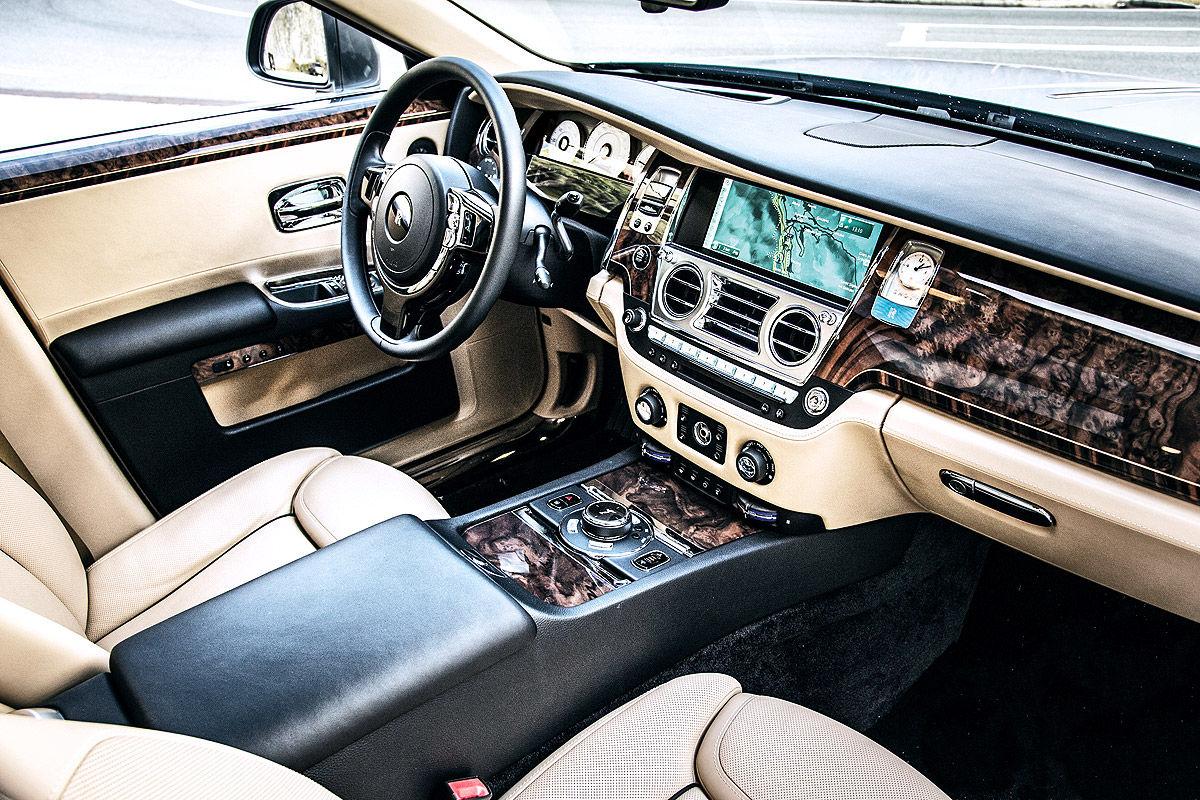 «685 лошадей под капотом»: тест-драйв Rolls-Royce Ghost 8