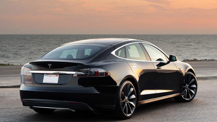 Заказы новой модели Tesla 3 побили все рекорды 1