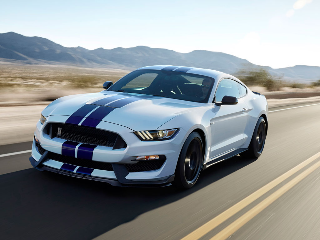 Ford Shelby GT350R Mustang стал «Спортивным автомобилем года» 2
