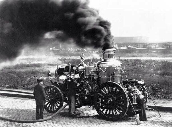 Сегодня, 175 лет назад была опробована первая пожарная машина 1