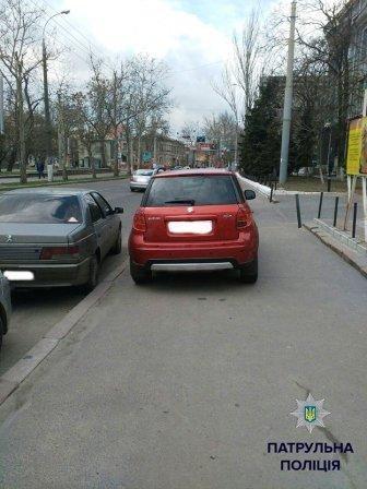 Фотографии «героев парковки» теперь публикует полиция 3