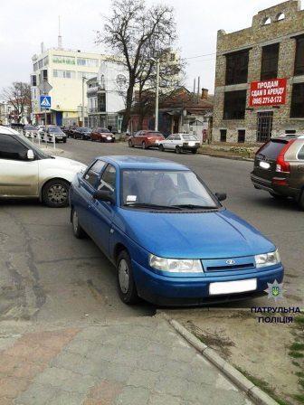 Фотографии «героев парковки» теперь публикует полиция 4