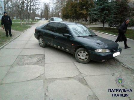 Фотографии «героев парковки» теперь публикует полиция 5