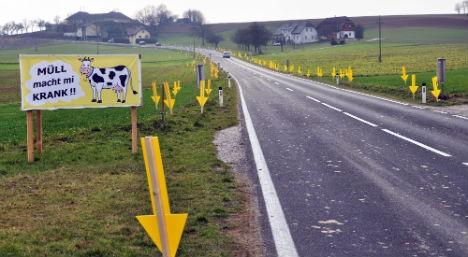 В Австрии придумали, как бороться с водителями, выбрасывающими мусор на обочины 1