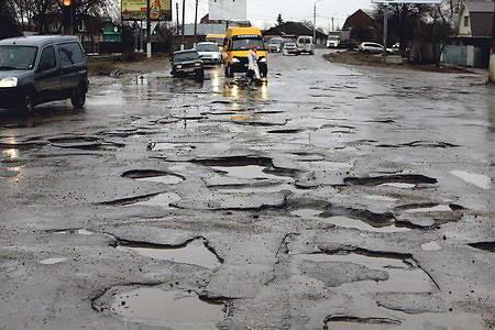 В Украине дороги начали официально признавать катастрофой техногенного характера 1