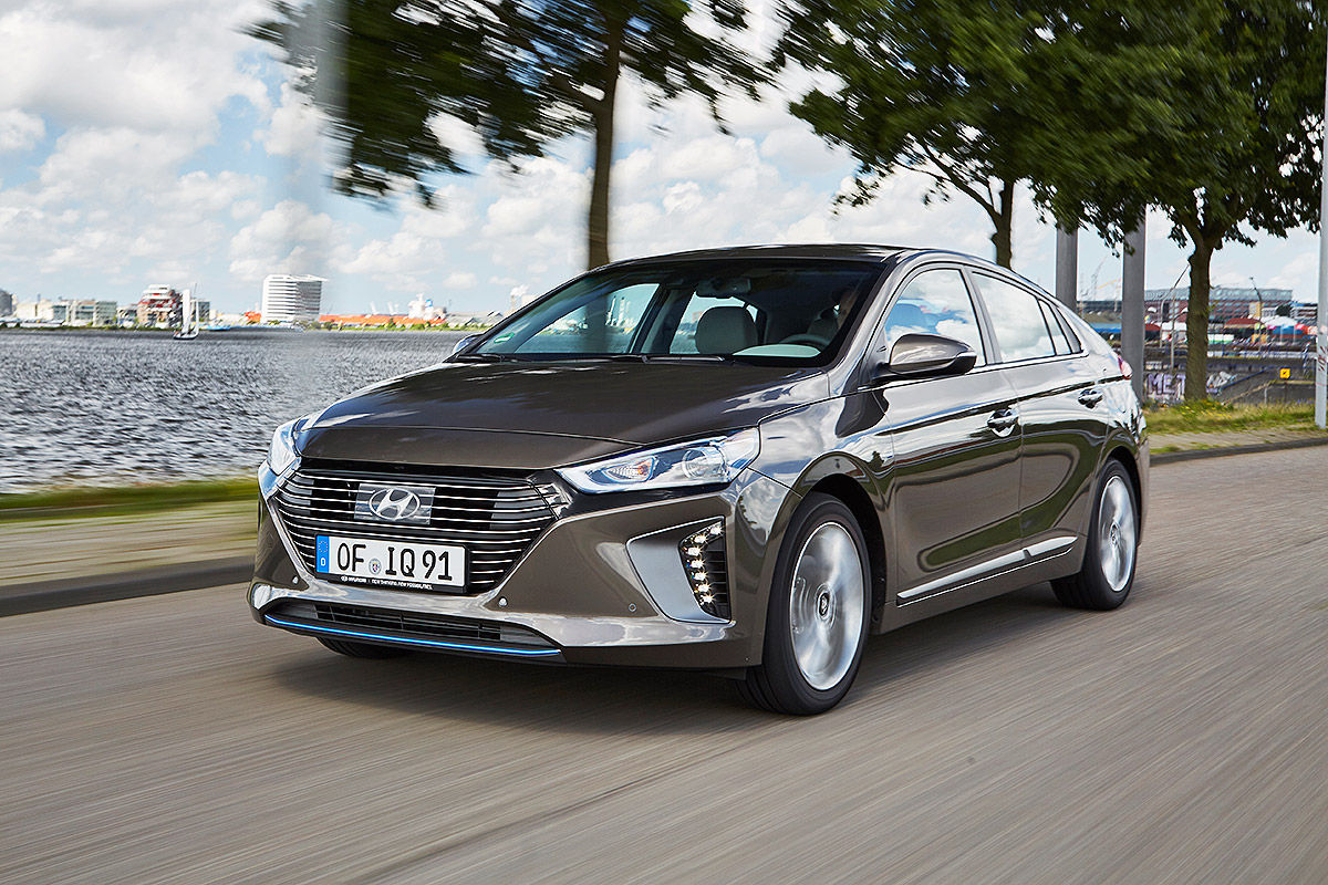 «Противостояние гибридов»: тест-драйв Hyundai VS Toyota 6