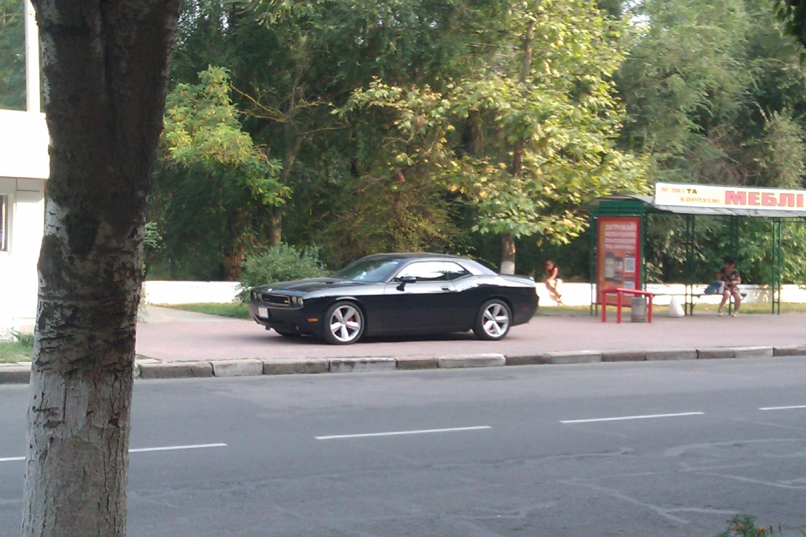 Великолепный Dodge Challenger колесит по Украине 2