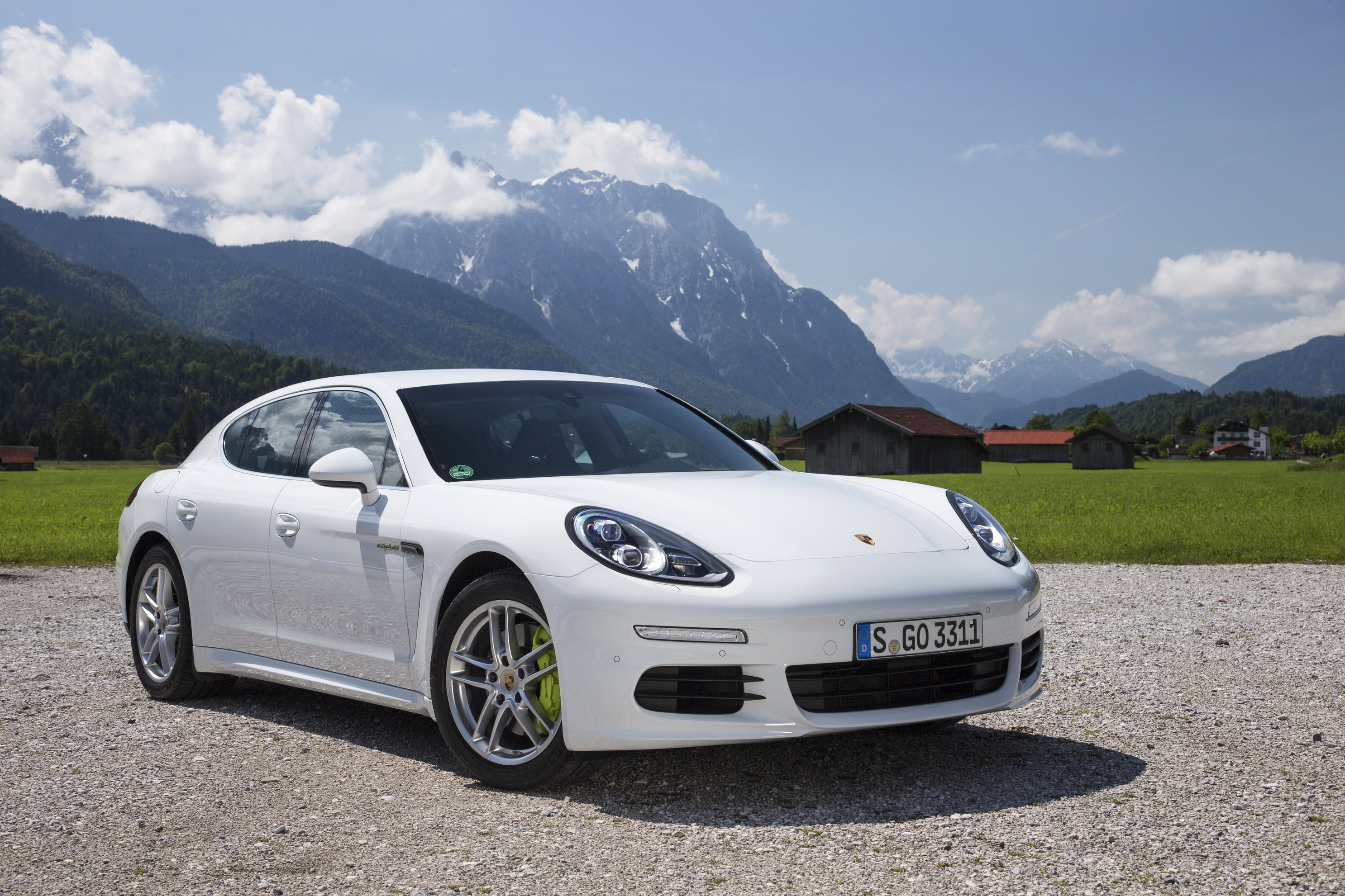 Парковщик перепутал владельца и отдал чужой Porsche 1