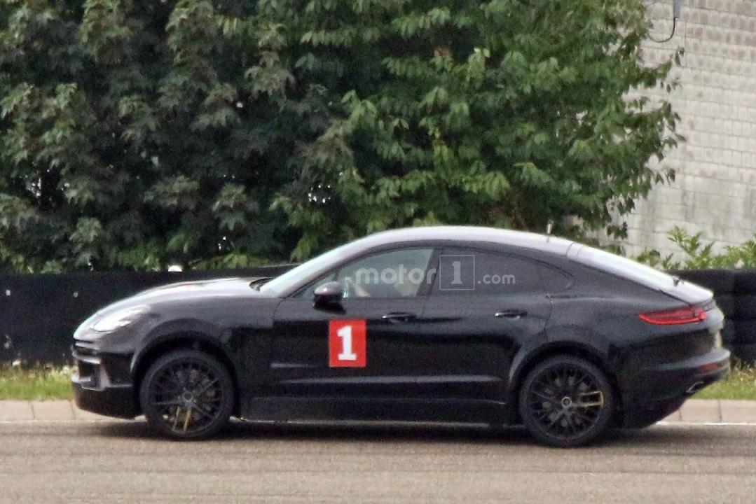 Porsche готовит купеобразную версию Cayenne 1