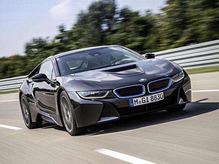 Гибрид BMW i8 станет мощнее 2