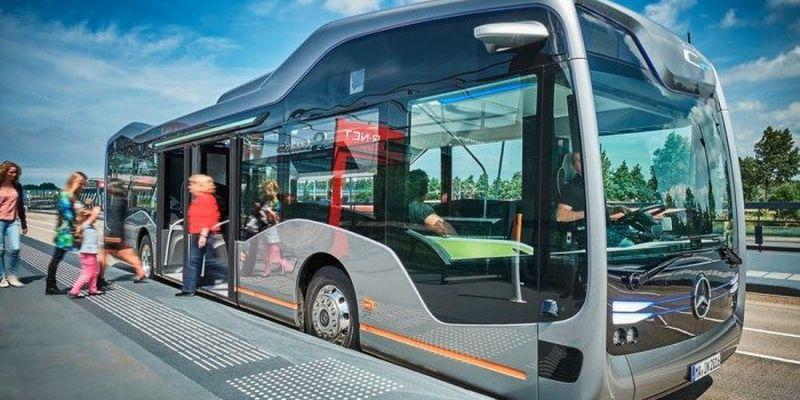 Mercedes-Benz тестирует футуристический автобус 1