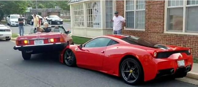 В США Mercedes-Benz «запрыгнул» на дорогой Ferrari 1