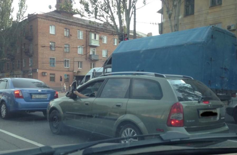В Украине замечен необычный автолюбитель 1