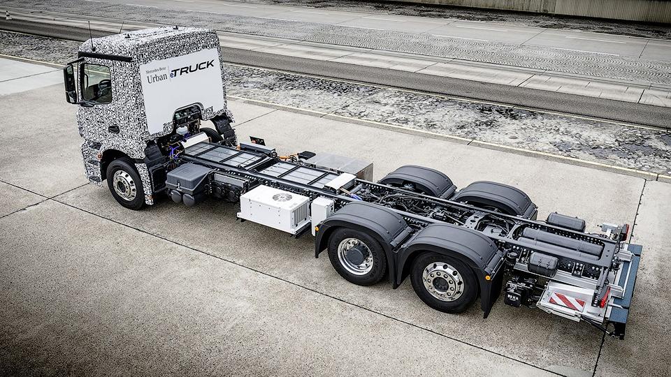 Mercedes-Benz тестирует электрический тягач 3