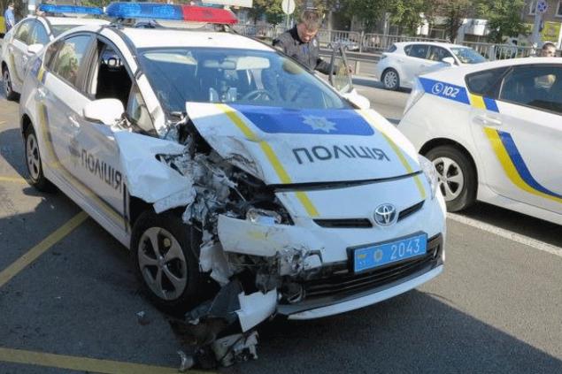 Патрульных полицейских начали обучать вождению 4