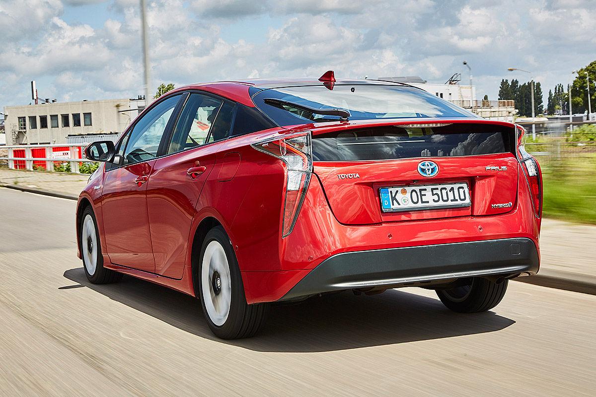 «Противостояние гибридов»: тест-драйв Hyundai VS Toyota 5