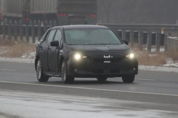 Новое поколение хэтчбека от Subaru 1