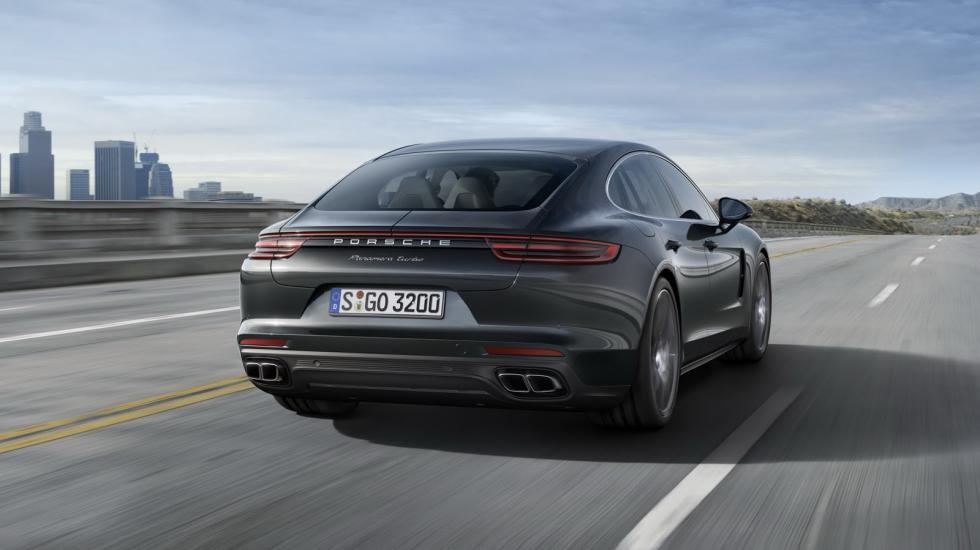Porsche официально презентует новую Panamera 2