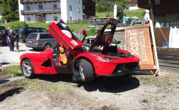 В Италии столкнулись два Ferrari LaFerrari 1
