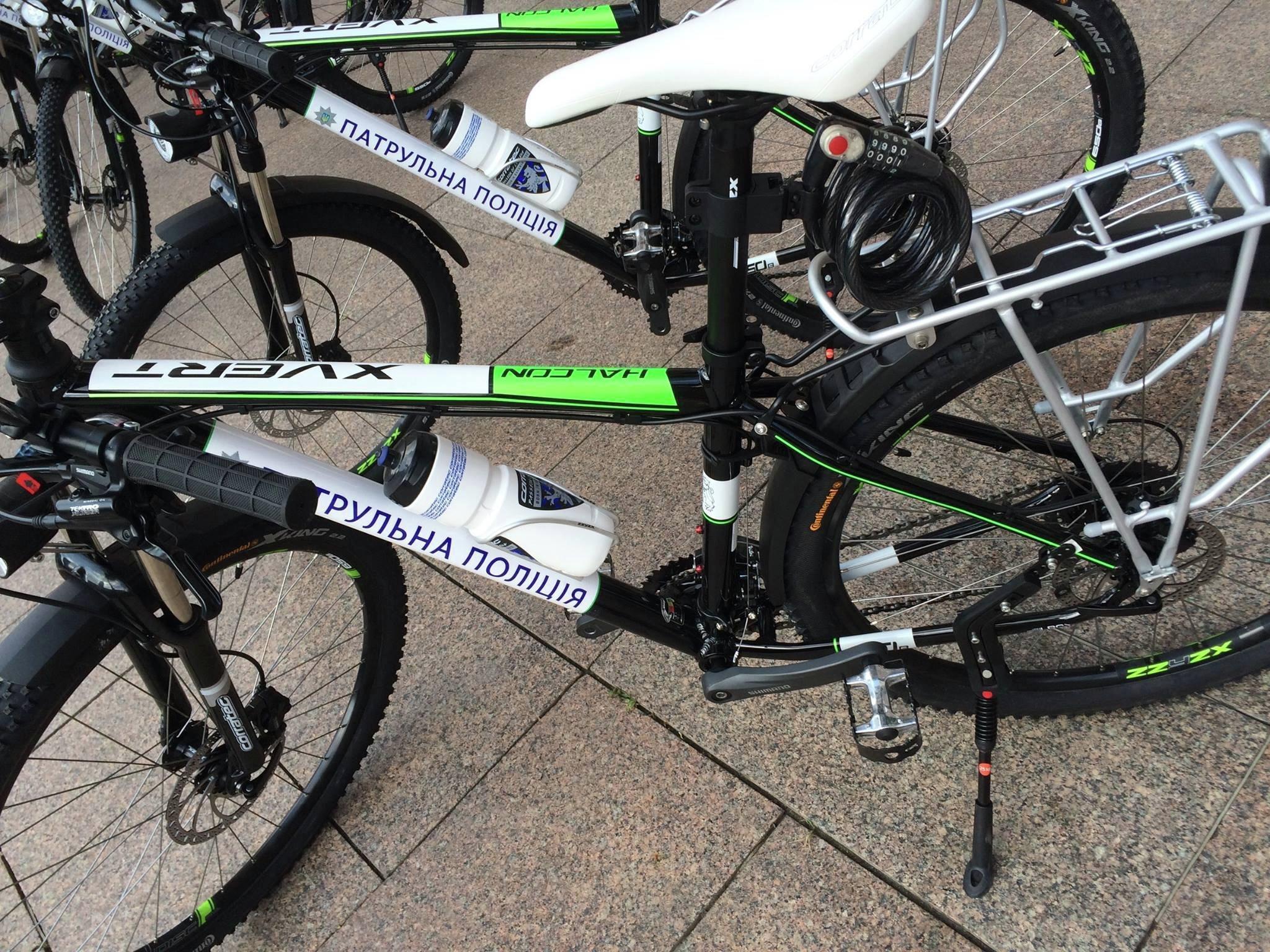Столичных полицейских пересадили с Приусов на велосипеды 2