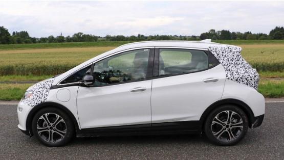 Opel тестирует свой электромобиль 2