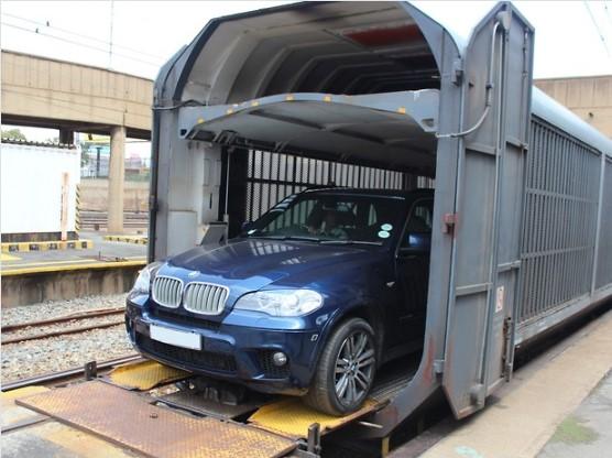 Украинцам разрешат ездить «на поезде в машине» 1