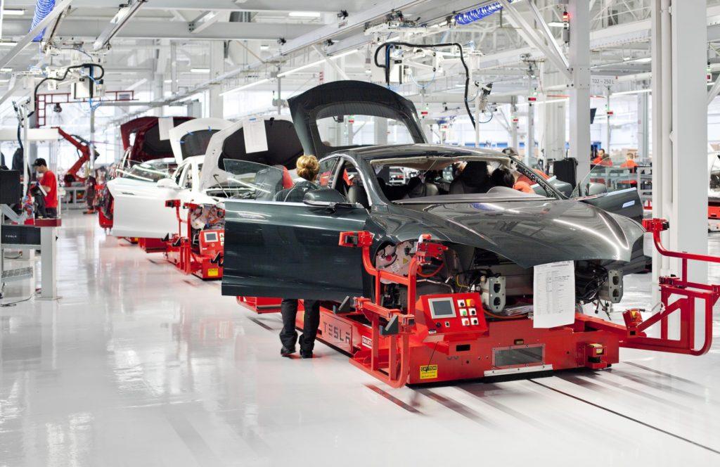 Компания Tesla кардинально изменила планы на будущее 2