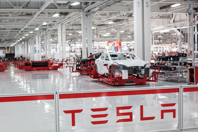 Компания Tesla кардинально изменила планы на будущее 1