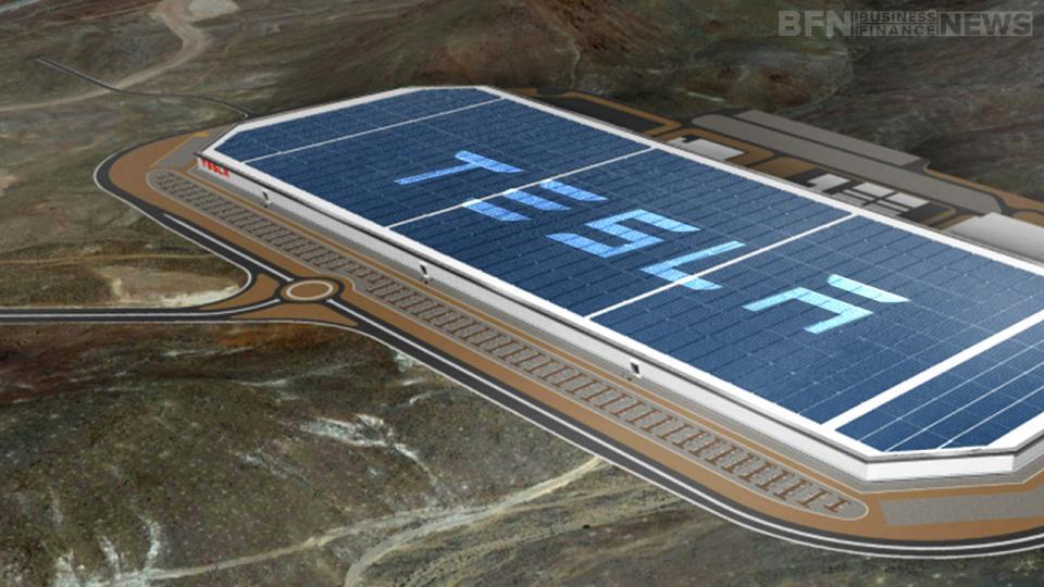 Компания Tesla откроет «гигафабрику» уже этим летом 2