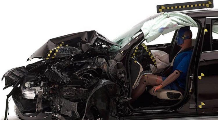 Новый BMW X1 получил высшую оценку IIHS 2