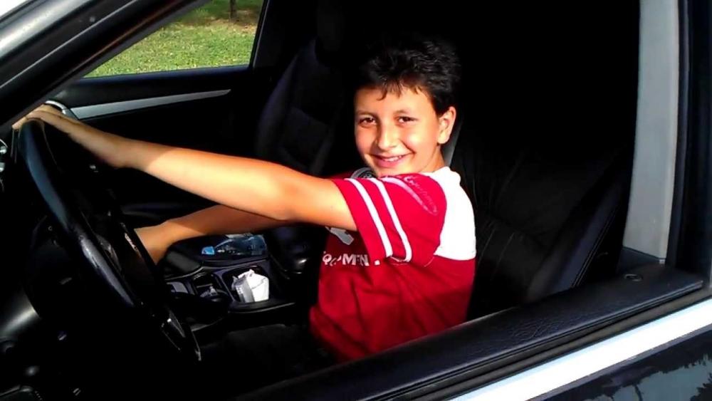 Как зарегистрировать автомобиль на несовершеннолетнего владельца 1