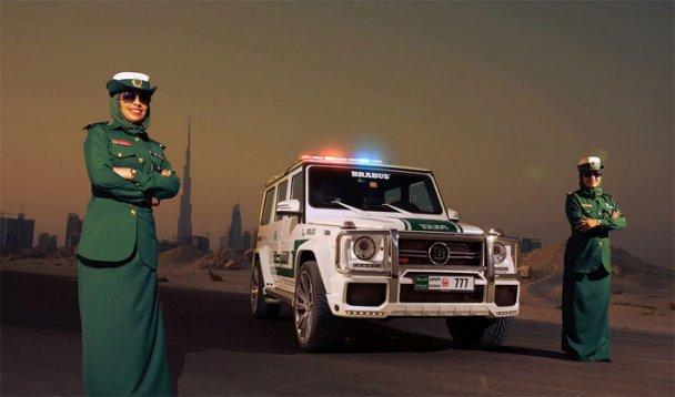 Красиво жить не запретишь: полиция Дубаи пересела на Bugatti Veyron 16.4 2