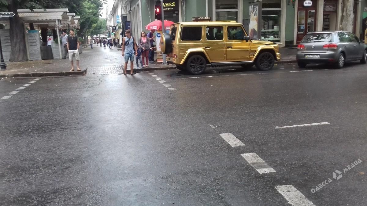 История продолжается: золотой Гелендваген снова оштрафован в Одессе 2