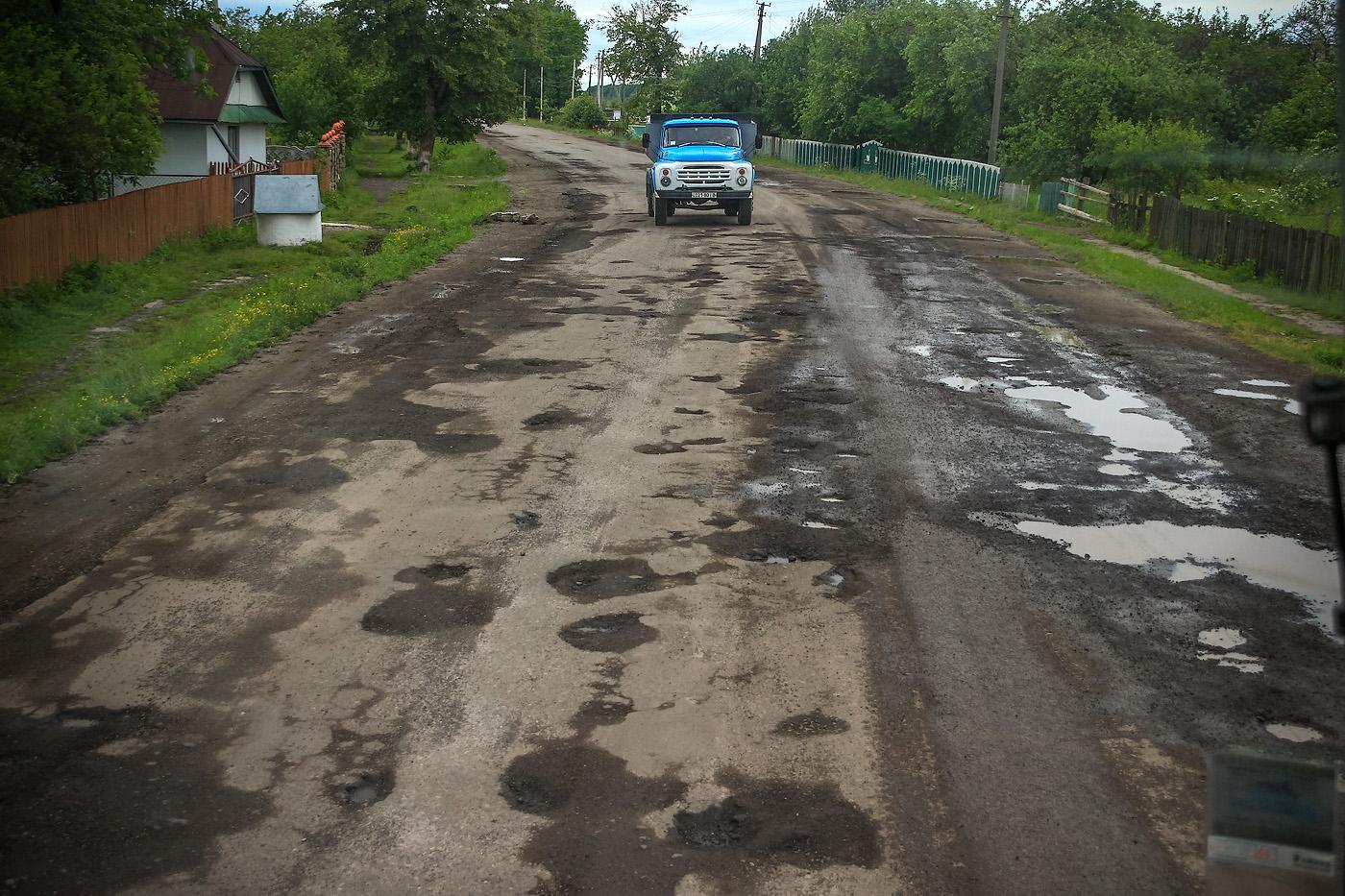 Укравтодор проинспектировал работу дорожников в десяти областях Украины 1