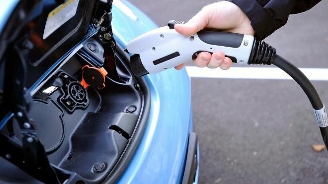 Украинские автомобилисты «пересаживаются» на электромобили 1