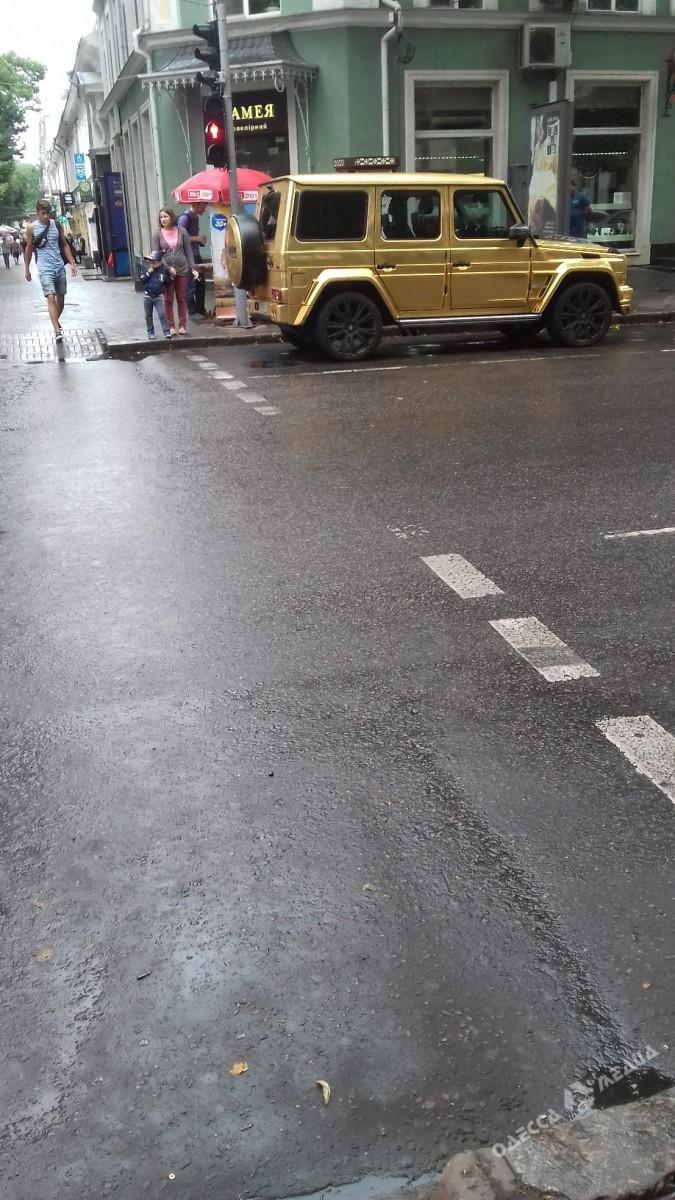 История продолжается: золотой Гелендваген снова оштрафован в Одессе 1