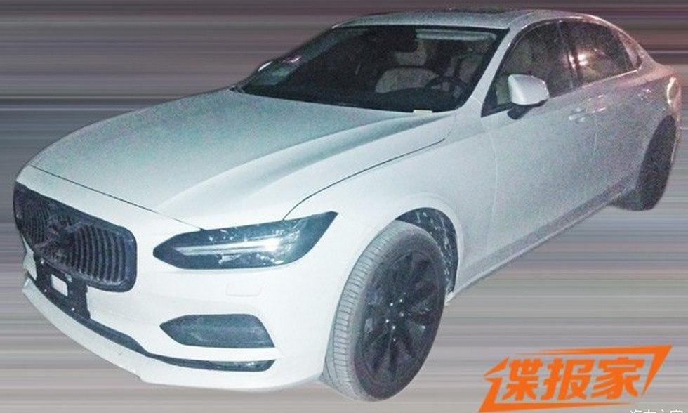 Volvo тестирует удлиненный седан S90L 1