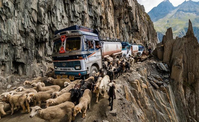 Наиболее опасные дороги мира 7