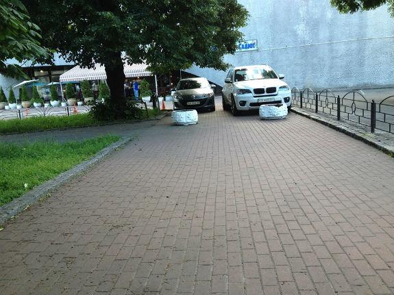 Два столичных водителя создали «дуэт автохамов» 1