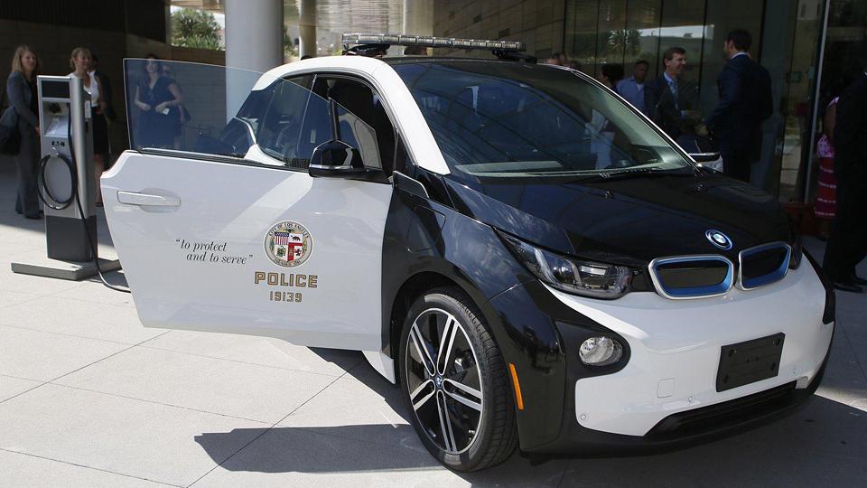 Автопарк полиции пополнят 100 электромобилями BMW i3 1