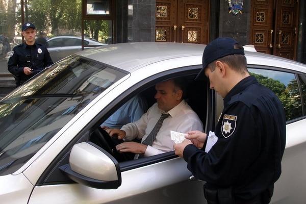 Нарушителям ПДД полицейские будут выписывать штрафы «по-европейски» 1
