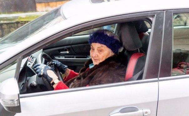 Пенсионерка из Польши за 13 лет накопила на Subaru WRX STI 2
