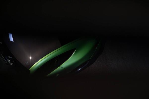 Компания Mercedes-Benz опубликовала официальные тизеры AMG GT R 2
