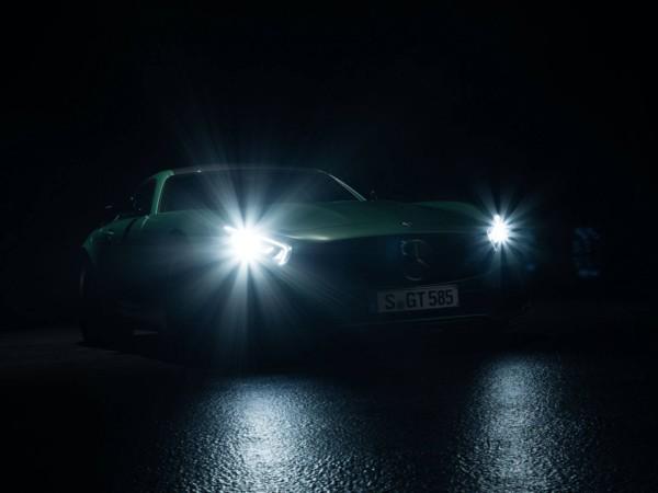Компания Mercedes-Benz опубликовала официальные тизеры AMG GT R 3