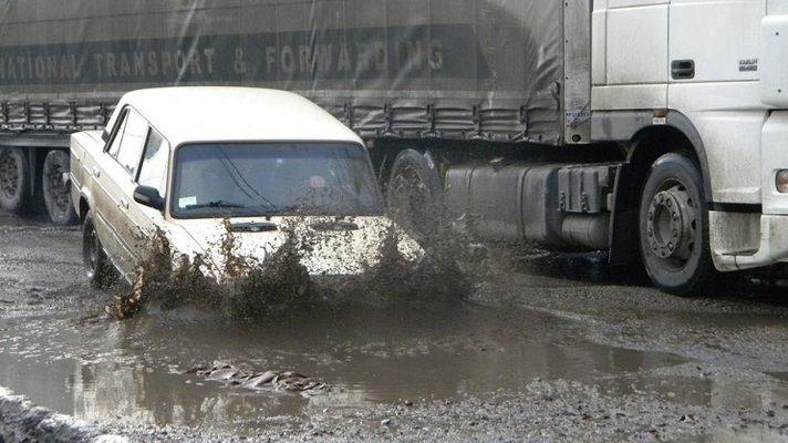 Премьер-министр «откладывает» масштабный ремонт дорог 1